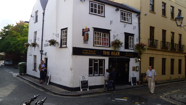 The Bear Inn, one of Oxford's historic pubs.